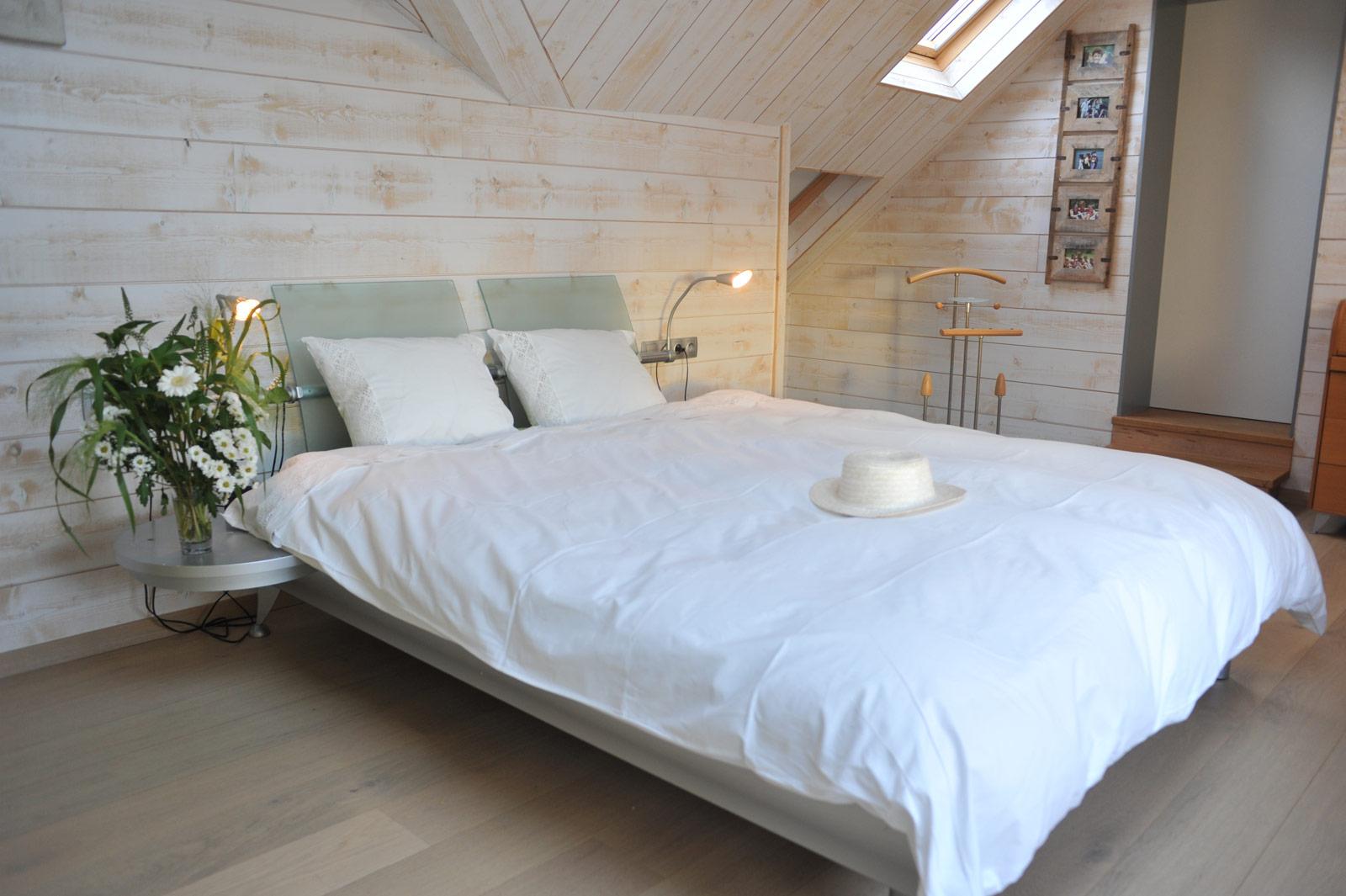 Merveilleux St Léger   Chambre Bois Blanc